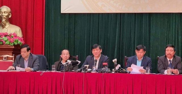 Bộ Y tế: Còn quá sớm dự báo đỉnh dịch virus corona ở Việt Nam - 1