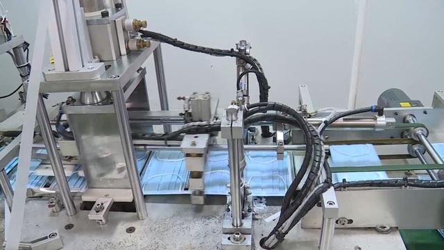 Cận cảnh quy trình sản xuất khẩu trang y tế thời dịch corona - 7