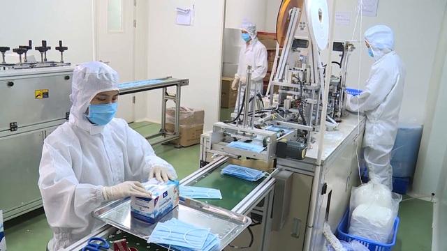Cận cảnh quy trình sản xuất khẩu trang y tế thời dịch corona - 8