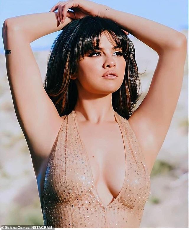 Selena Gomez bất ngờ chụp ảnh táo bạo - 8
