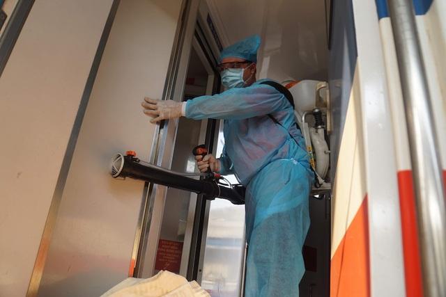 Lập chốt kiểm soát virus corona tại ga Sài Gòn - 6