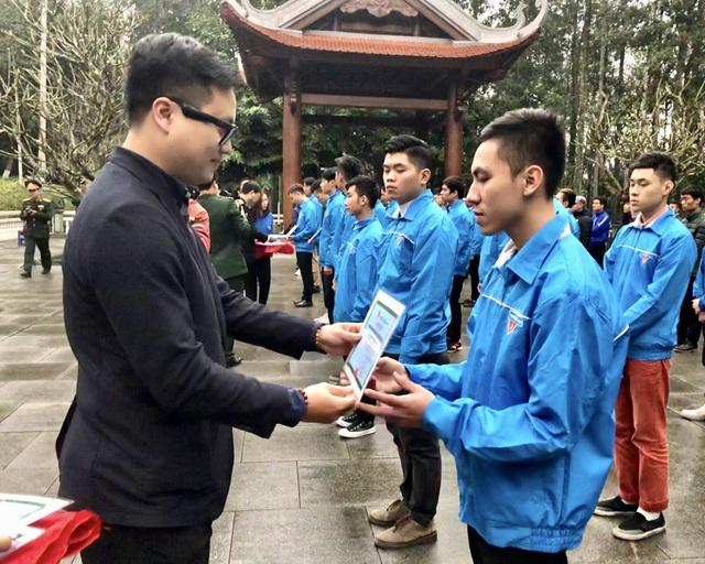 2.365 thanh niên Hà Nội viết đơn tình nguyện lên đường nhập ngũ - 3