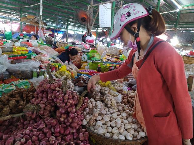 Đà Nẵng: Giá tỏi tăng mạnh vì dịch virus corona - 2