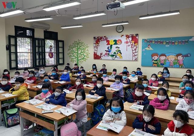 Thủ tướng: Sẵn sàng phương án đưa học sinh trở lại trường - 1