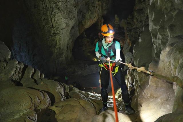 H'Hen Niê kể chuyện gặp ác mộng khi ngủ trong lòng hang Sơn Đoòng - 5