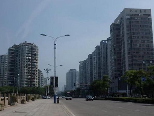 Cách tâm dịch 800km, người dân Trung Quốc chỉ được ra ngoài 2 ngày 1 lần - 3