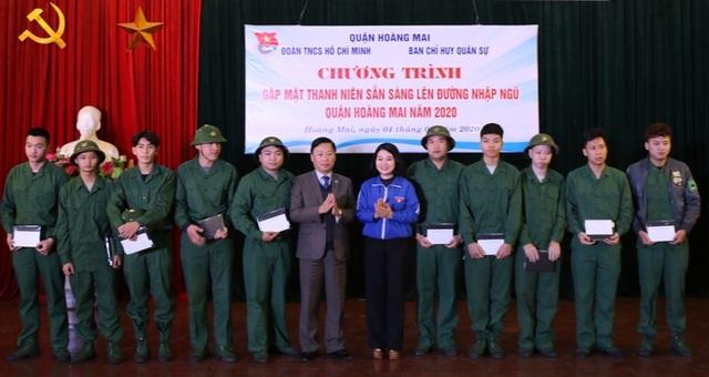 2.365 thanh niên Hà Nội viết đơn tình nguyện lên đường nhập ngũ - 2