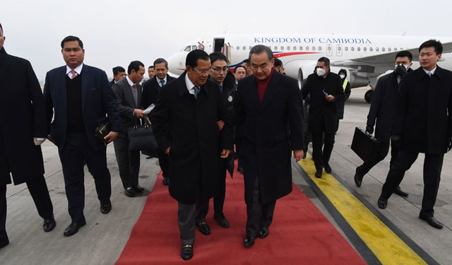 Thủ tướng Campuchia nói lý do không đeo khẩu trang khi tới Trung Quốc - 3