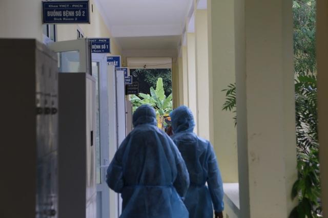 Khu cách ly đặc biệt 3 người đi cùng đoàn với 5 bệnh nhân nhiễm corona - 4