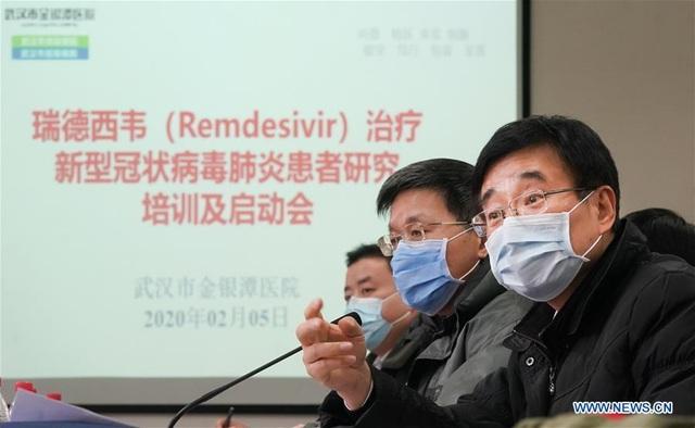Trung Quốc thử nghiệm thuốc kháng virus của Mỹ điều trị bệnh nhân viêm phổi - 1