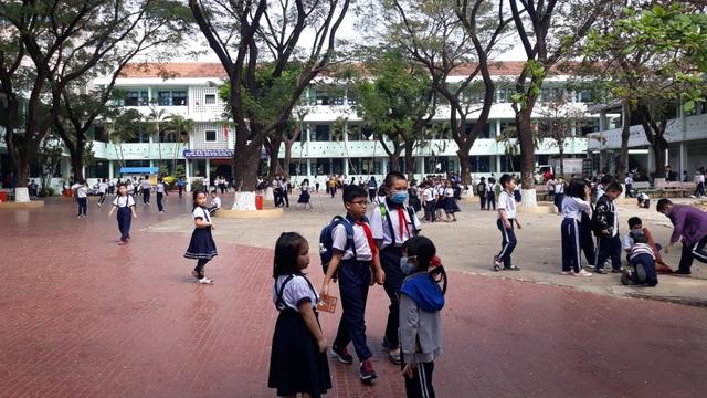 Bình Định cho học sinh, sinh viên tiếp tục nghỉ học 1 tuần - 1