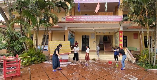Quảng Trị cho học sinh nghỉ học thêm 1 tuần phòng dịch Corona - 1