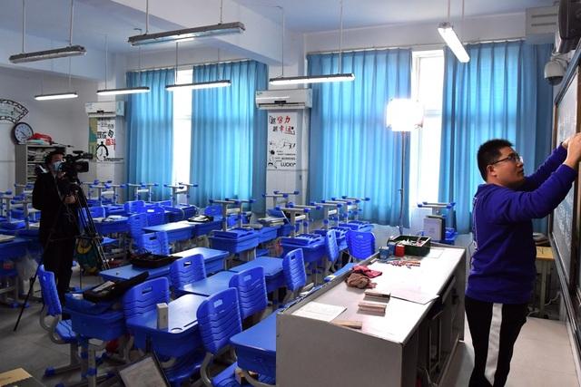 Trường học Trung Quốc triển khai dạy trực tuyến vì virus corona - 1