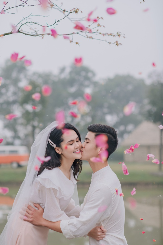 Cầu thủ Duy Mạnh và vị hôn thê tung ảnh cưới lãng mạn sát thềm hôn lễ - 3