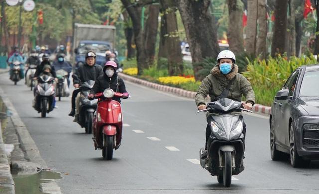 Ngày mai Hà Nội rét đậm, nhiệt độ thấp nhất 13 độ C - 1