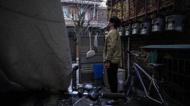 Cuộc sống ám ảnh trong những căn nhà dưới lòng đất ở Hàn Quốc - 4