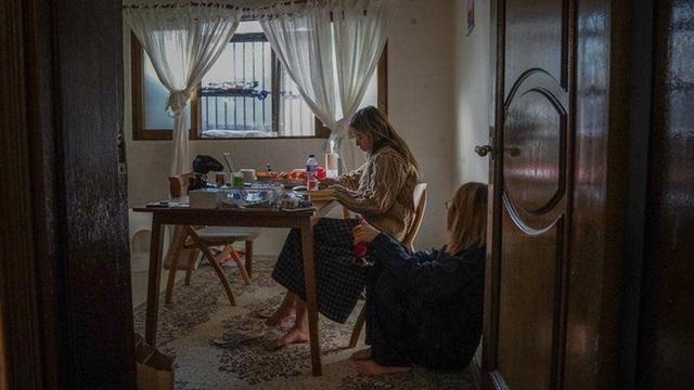 Cuộc sống ám ảnh trong những căn nhà dưới lòng đất ở Hàn Quốc - 6