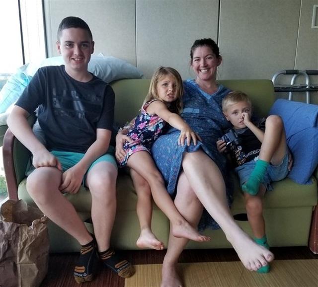 Bà mẹ 35 tuổi bàng hoàng khi bị ung thư dù chăm tập thể dục - 2