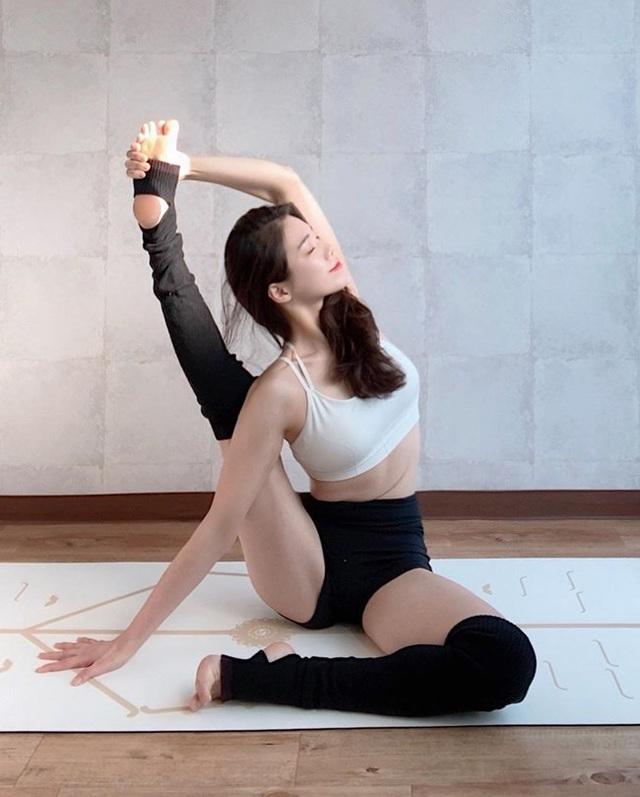 3 cô giáo yoga xinh nhất xứ Hàn được ví như người không xương - 1