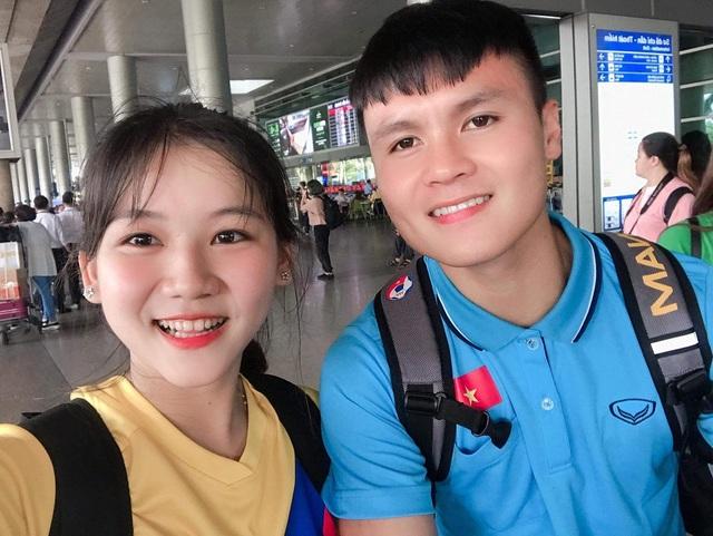 Nữ sinh xinh đẹp hâm mộ tuyển thủ Quang Hải và là tiền đạo cứng - 1