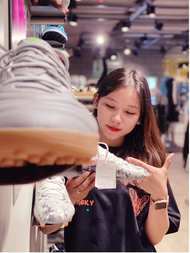 Nữ sinh xinh đẹp hâm mộ tuyển thủ Quang Hải và là tiền đạo cứng - 6