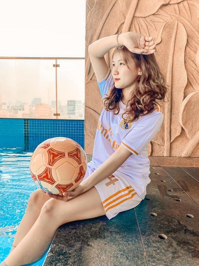 Nữ sinh xinh đẹp hâm mộ tuyển thủ Quang Hải và là tiền đạo cứng - 8