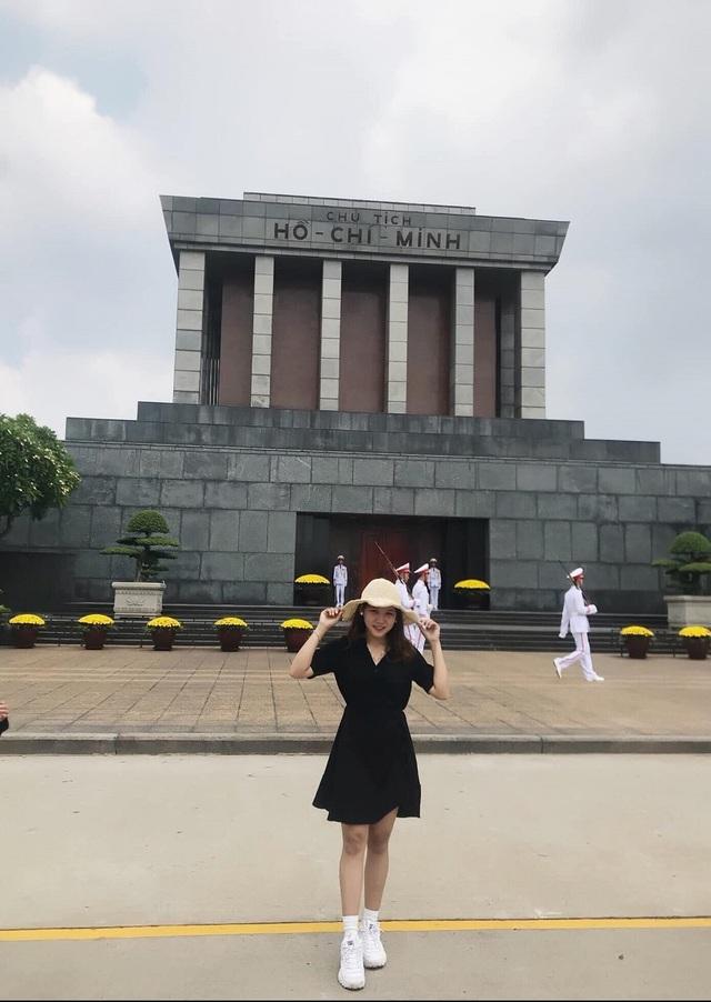 Nữ sinh xinh đẹp hâm mộ tuyển thủ Quang Hải và là tiền đạo cứng - 9