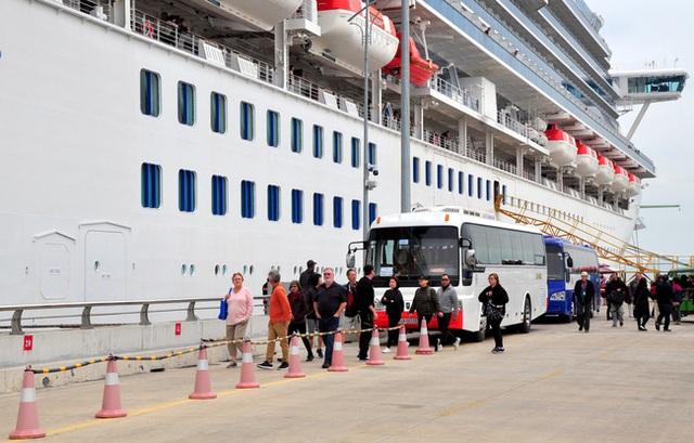 Du thuyền Nhật có 61 người nhiễm corona từng cập bến tại Quảng Ninh, Huế - 3