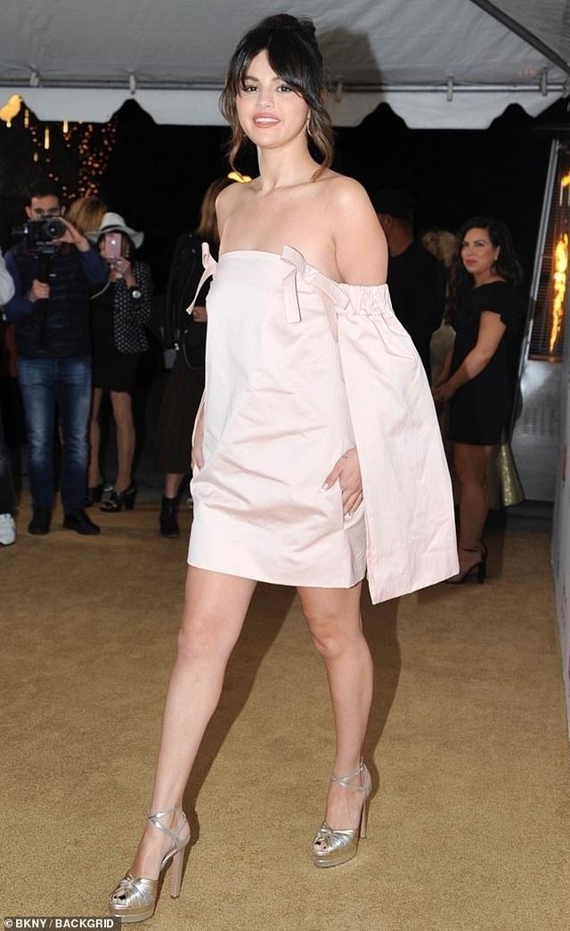 Selena Gomez xinh đẹp, quyến rũ tái xuất - 6