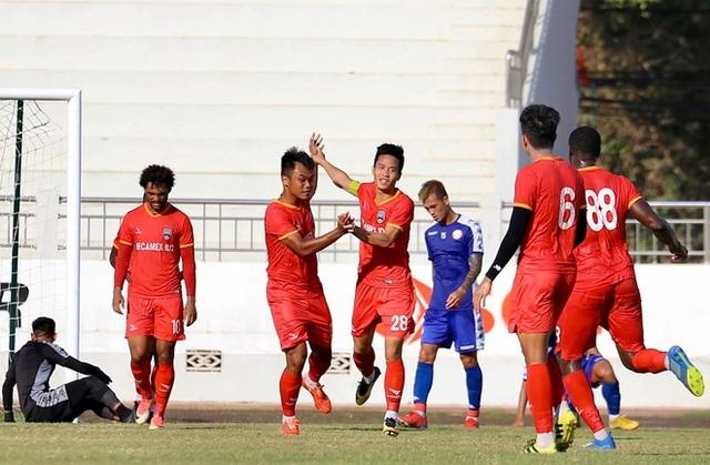 Công Phượng nhạt nhòa, TPHCM thua trước ngày dự AFC Cup - 1