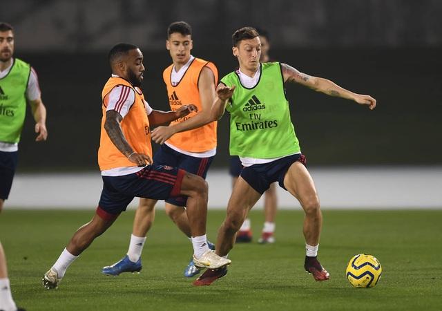 Arsenal luyện tập trong kì nghỉ Đông ở Dubai - 9