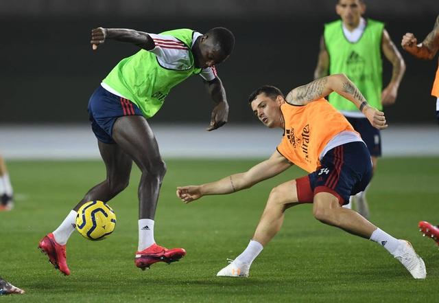 Arsenal luyện tập trong kì nghỉ Đông ở Dubai - 12