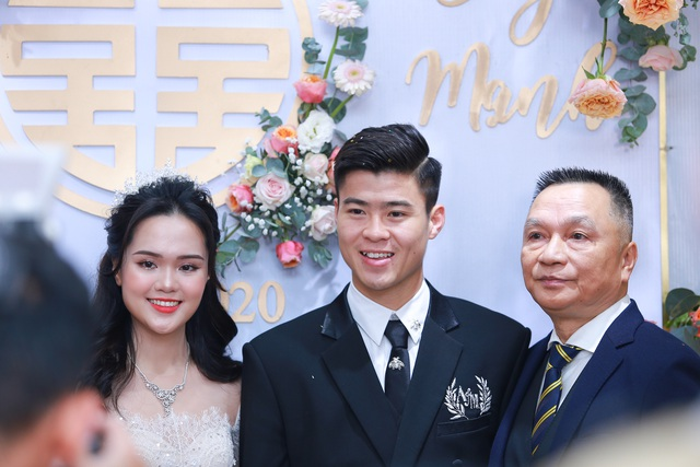 Đám cưới Duy Mạnh - Quỳnh Anh: Cặp đôi trao nhẫn, chính thức là vợ chồng - 26