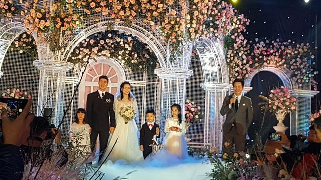 Đám cưới Duy Mạnh - Quỳnh Anh: Cặp đôi trao nhẫn, chính thức là vợ chồng - 12