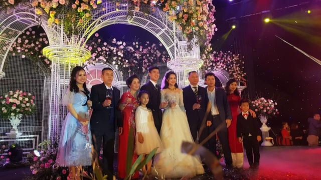Đám cưới Duy Mạnh - Quỳnh Anh: Cặp đôi trao nhẫn, chính thức là vợ chồng - 9