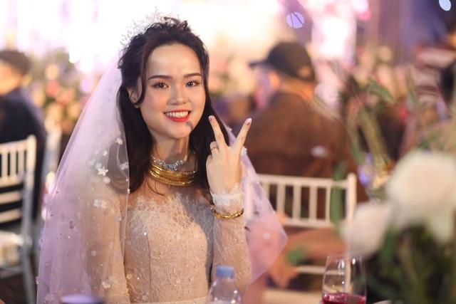 Đám cưới Duy Mạnh - Quỳnh Anh: Cặp đôi trao nhẫn, chính thức là vợ chồng - 5