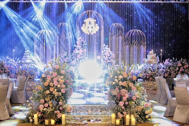 Đám cưới Duy Mạnh - Quỳnh Anh: Cô dâu, chú rể bật khóc vì xúc động - 18