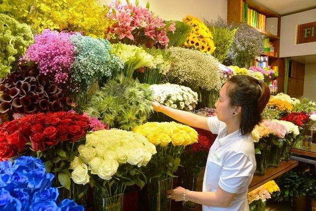 Đại gia chơi trội mua bó hoa 40 triệu đồng tặng bạn gái dịp Valentine  - 1