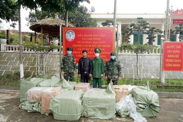 Liên tiếp bắt giữ hàng chục nghìn khẩu trang y tế bán sang Trung Quốc - 1