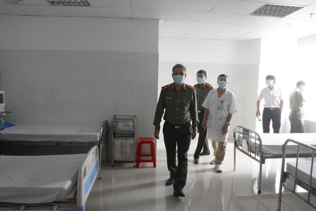 Bệnh viện đầu tiên tại miền Trung thực hiện được xét nghiệm virus corona - 6