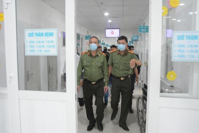Bệnh viện đầu tiên tại miền Trung thực hiện được xét nghiệm virus corona - 5