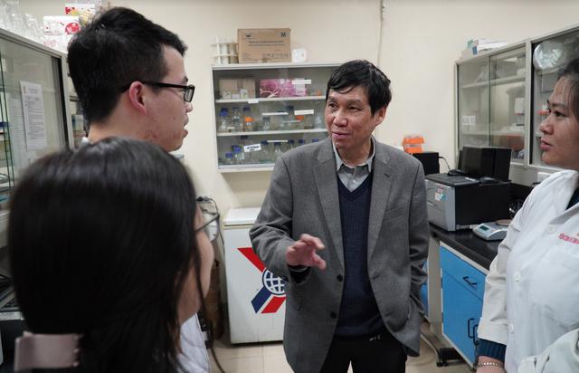 Nhóm nghiên cứu Việt đầu tiên chế tạo thành công bộ test nhanh virus corona - 11