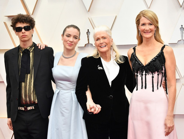 Sao dập dìu váy áo dự lễ trao giải Oscar 2020 - 15