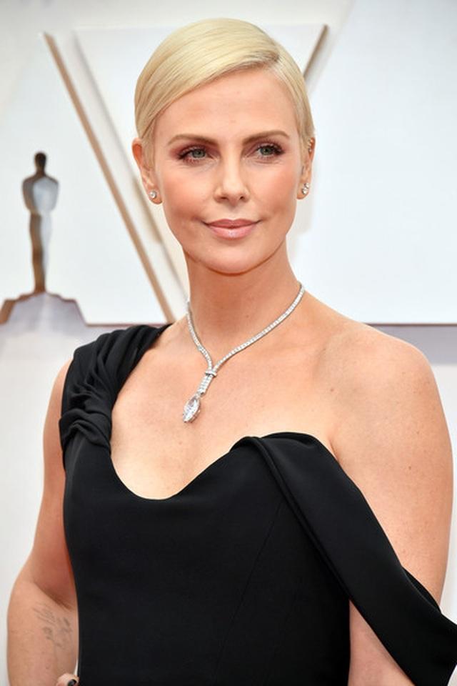 Sao dập dìu váy áo dự lễ trao giải Oscar 2020 - 39