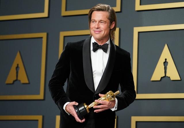 Brad Pitt rạng rỡ bên tượng vàng Oscar - 1