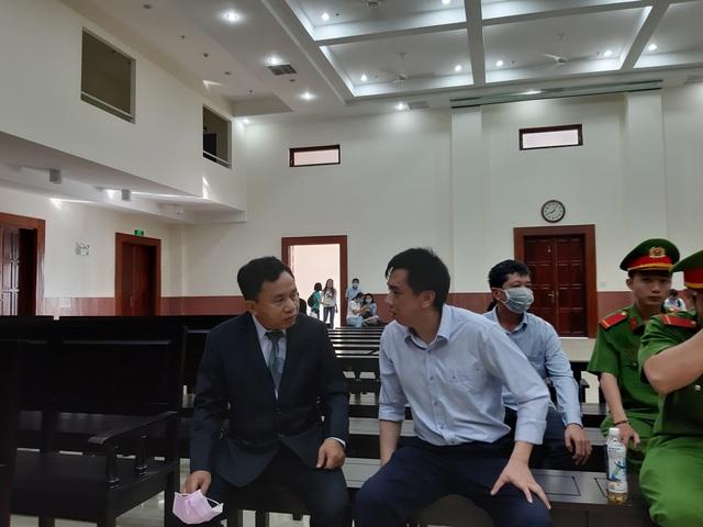 Thứ trưởng Bộ Y tế Trương Quốc Cường lại vắng mặt phiên xử vụ VN Pharma - 4