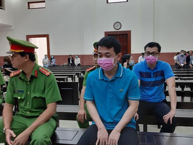 Thứ trưởng Bộ Y tế Trương Quốc Cường lại vắng mặt phiên xử vụ VN Pharma - 1