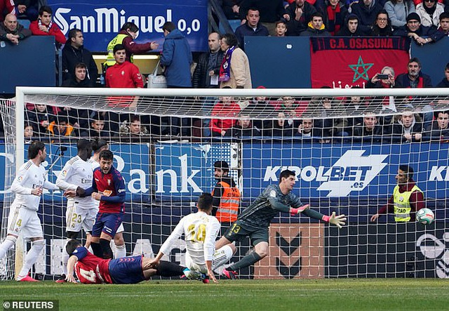 Osasuna 1-4 Real Madrid: Đoàn quân HLV Zidane vững ngôi đầu - 3