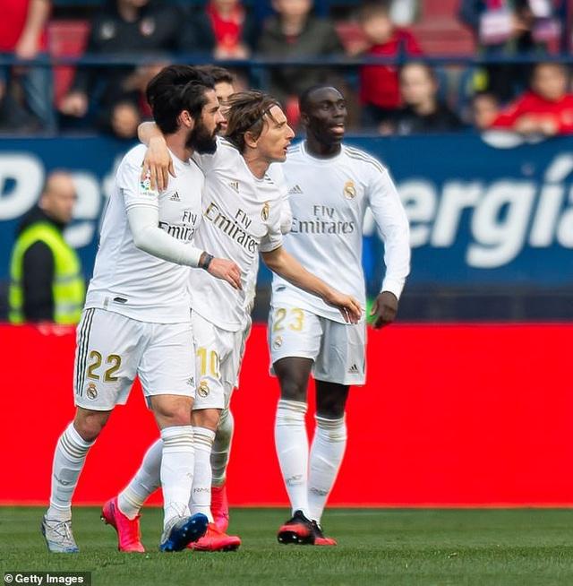 Osasuna 1-4 Real Madrid: Đoàn quân HLV Zidane vững ngôi đầu - 12