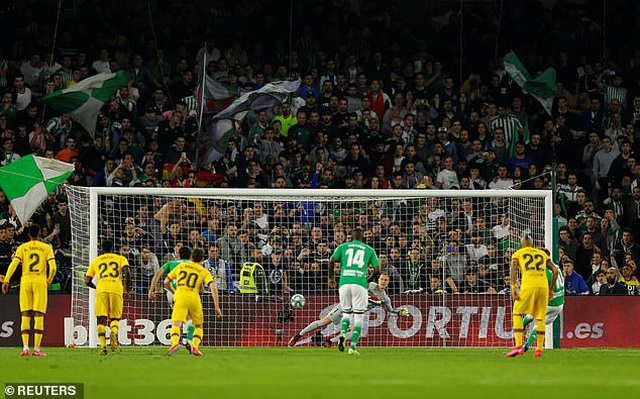 Betis 2-3 Barcelona: Chiến thắng nghẹt thở - 3